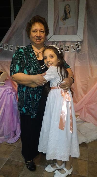 Con la abuela Lourdes Echeverz