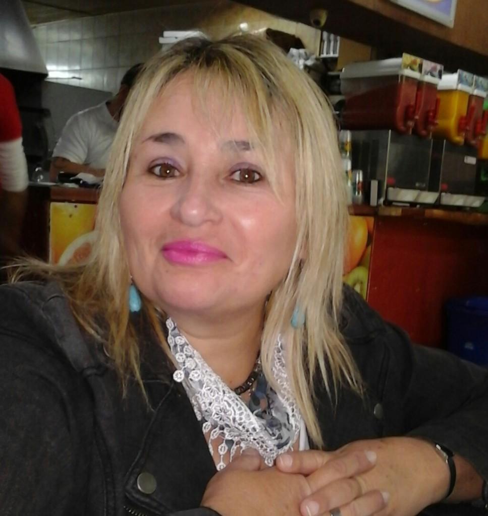 Adriana-967x1024
