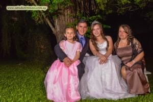 Selena junto a sus padres Roberto y Mariela y la hermanita Priscila
