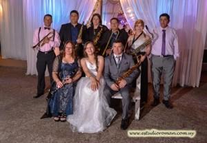 Selena, con su familia, músicos ellos que amenizaron la fiesta
