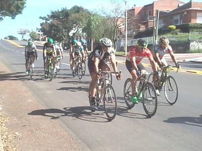 La actividad del ciclismo en Salto estuvo sobre la Avenida Harriague esta temporada