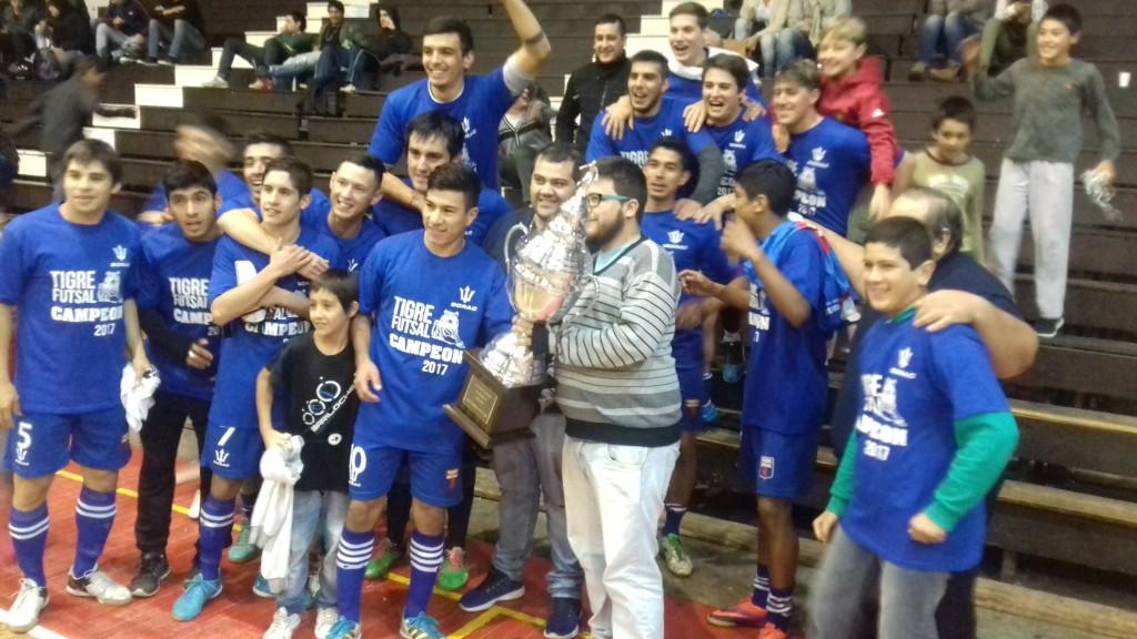 Equipo de Tigre Futsal, que en la próxima fecha se enfrenta al puntero Universitario