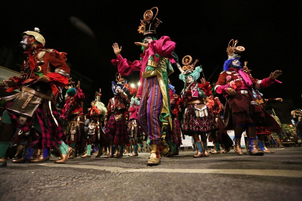 """Montevideo (Uruguay), Carnaval de Uruguay conocido por ser  """"el más largo del mundo"""", por sus casi 40 días de duración. EFE/Raúl Martínez"""