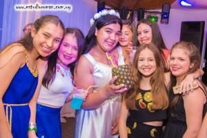 Camila con amigas