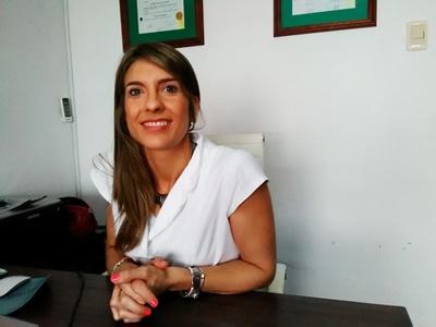 Anabella Bazzano Korytnicki, asistente Grado 2 de la Cátedra  de Dermatología del Uruguay y Directora de Sensa - piel