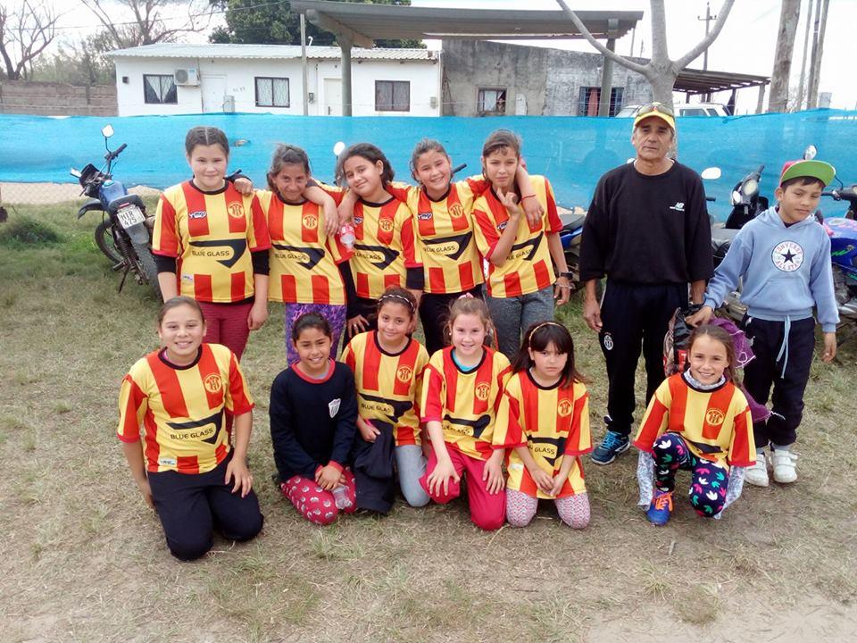 Las niñas de Gladiador baby fútbol de 11 a 13 años serán dirigida por Luis Brum.