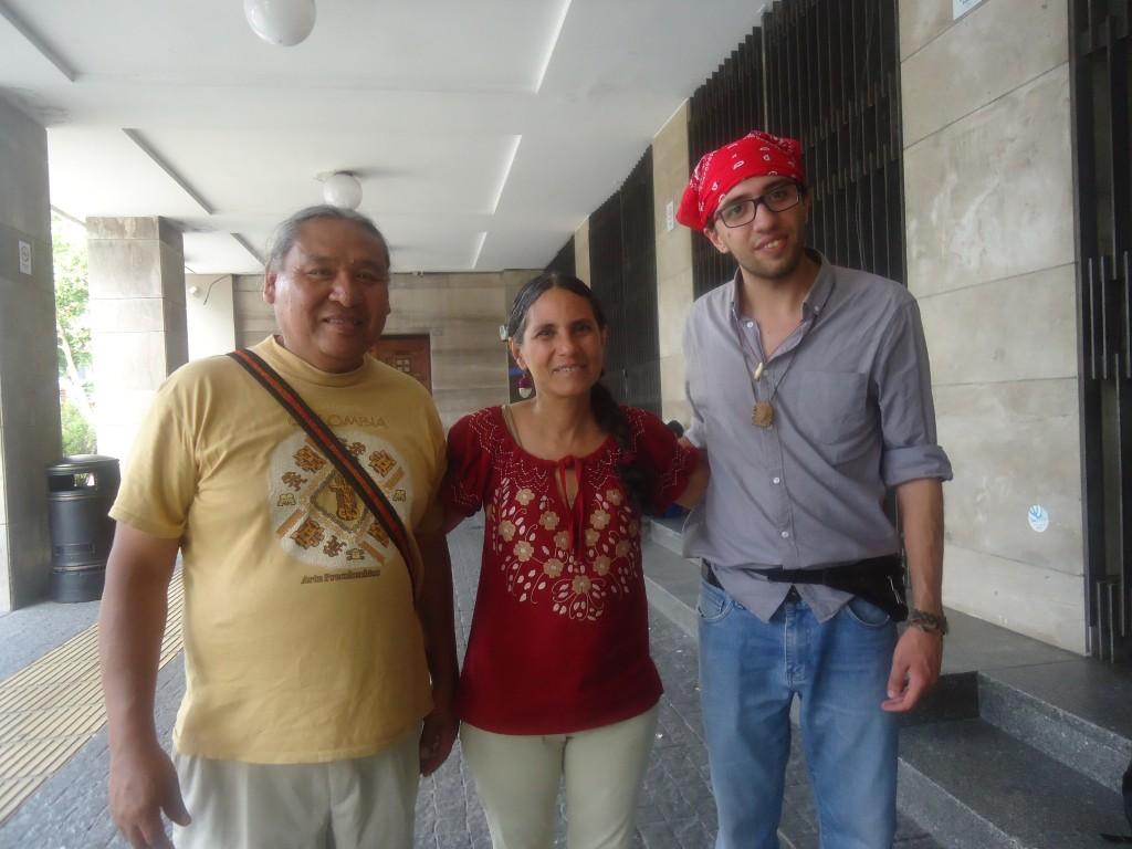 Alejandro Vargas, Mónica Michelena y Martín Delgado,  descendientes charrúas dialogaron con EL PUEBLO