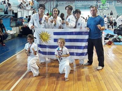 La delegación de la Academia Set Do Kwan se destacó en  el Torneo Internacional de Taekwondo de Gualeguaychú
