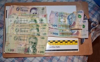 Dinero incautado en el allanamiento