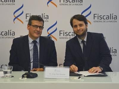 El Fiscal Martinicorena (d. del lector) junto al Dr. Jorge Díaz Almeida,  Fiscal de Corte y Procurador General de la Nación