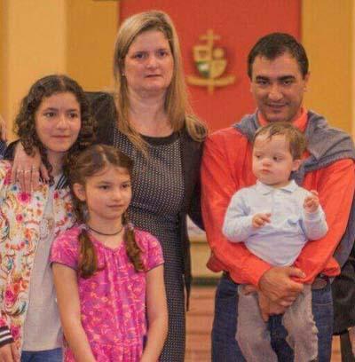 Ana Irene Barla y familia