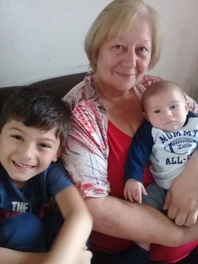 Gladys y sus nietos