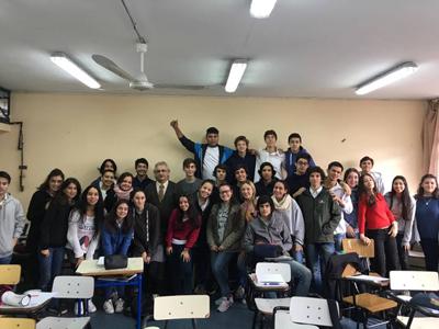 Profesor Previale y alumnos