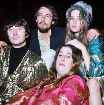 The Mamas and The Papas. 1