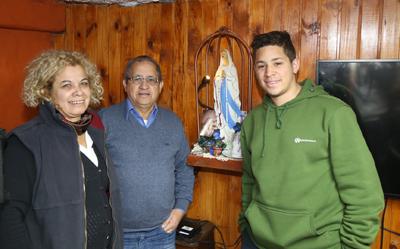 INFORME - Mauro Ferreira junto a su familia