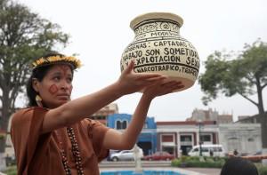 Mujeres indígenas de 20 países de América protestan por múltiples violencias