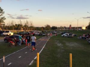 La gente se mudó a la ciclovía ante la inundación de la Costanera Norte