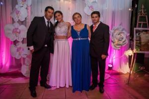 Camila con sus padres Alejandro Alvarez y Nathalia Fioritti y su hermano Nicolás Alvarez