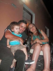 Informe Lucía y Matías con su pequeño hijo -