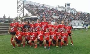 Corina con el equipo de Ceibal Femenino