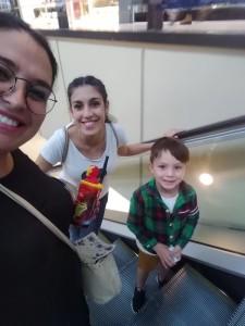 Eugenia con su hermana e hijo