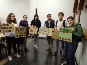 Sofía Canessa, Daiana Pertussati, Erika Pertussati, Juan Rivero, Camila Conti representantes en Salto del movimiento Fridays for Future