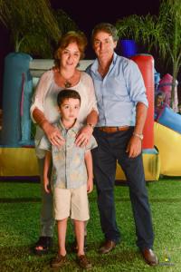 Edi con su esposo y nieto