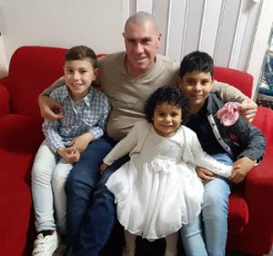 Suple Roberto y nietos