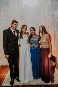 Melany con sus padres Mario y Leticia y su hermana Valentina