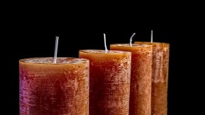 candles-2993936__340