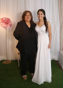 la quinceañera con su abuela Paterna