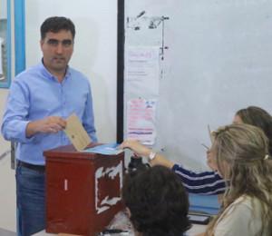 Intendente Andrés Lima, votó temprano y agradeció esfuerzos
