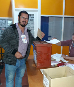 Alcalde Souto momento de votar