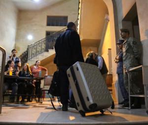 EL PUEBLO captó la llegada de la primera urna proveniente de Nueva Hespérides