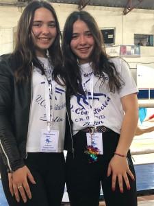 Las mellizas Florencia y Anabela , instructoras