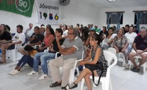 Gran concurrencia de público se hizo presente en Villa Constitución  para la presentación del candidato  Víctor Giménez a alcalde  por el partido Frente amplio