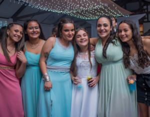Anny con sus amigas