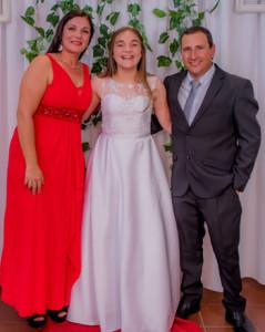 Any con su mamá Laura Mora y su papá Marcos Díaz