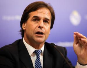 Uruguay anuncia que tiene capacidad sanitaria para 8,700 casos de COVID-19