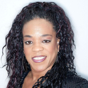 Evelyn Champagne King. 1