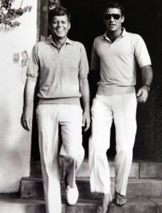 Junto a su cuñado  John F. Kennedy